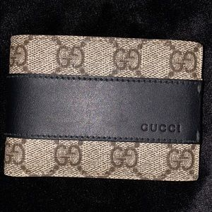 Gucci wallet GREAT CONDITION BRAND NEW